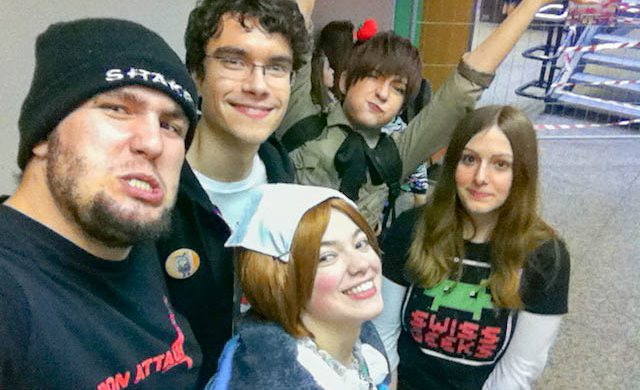 Gruppenfoto mit Freunden an der Japan Impact