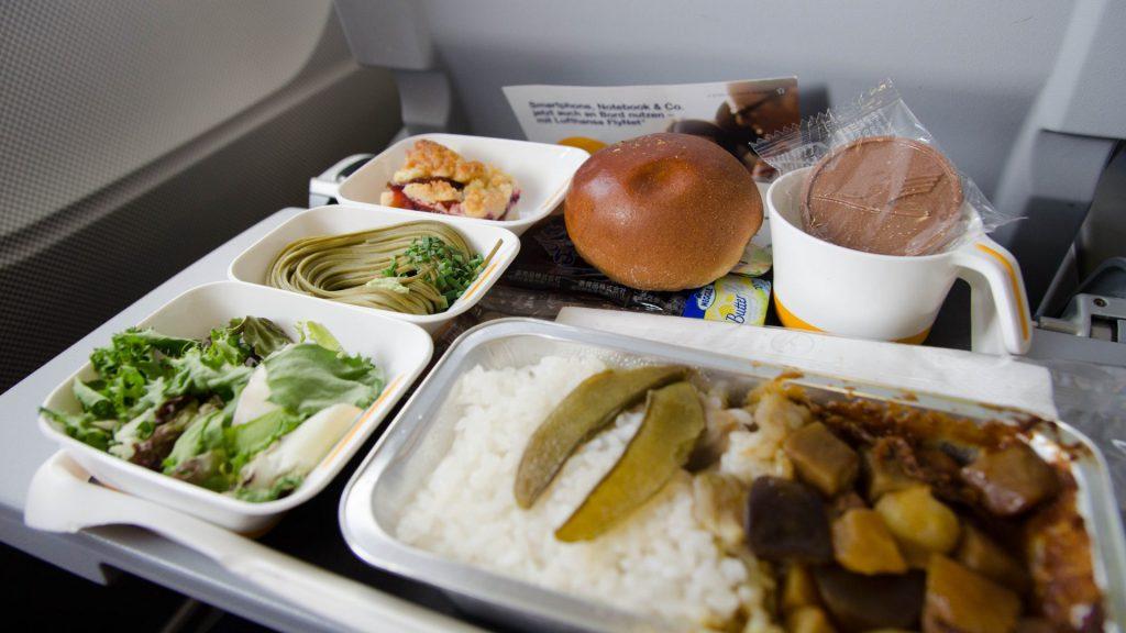 Essen im Flugzeug nach Japan