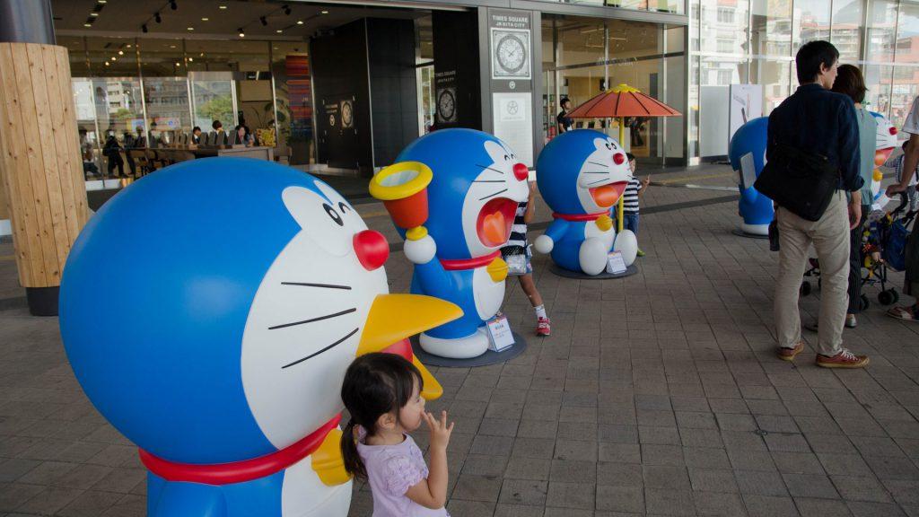 Doraemon am Bahnhof in Oita Japan