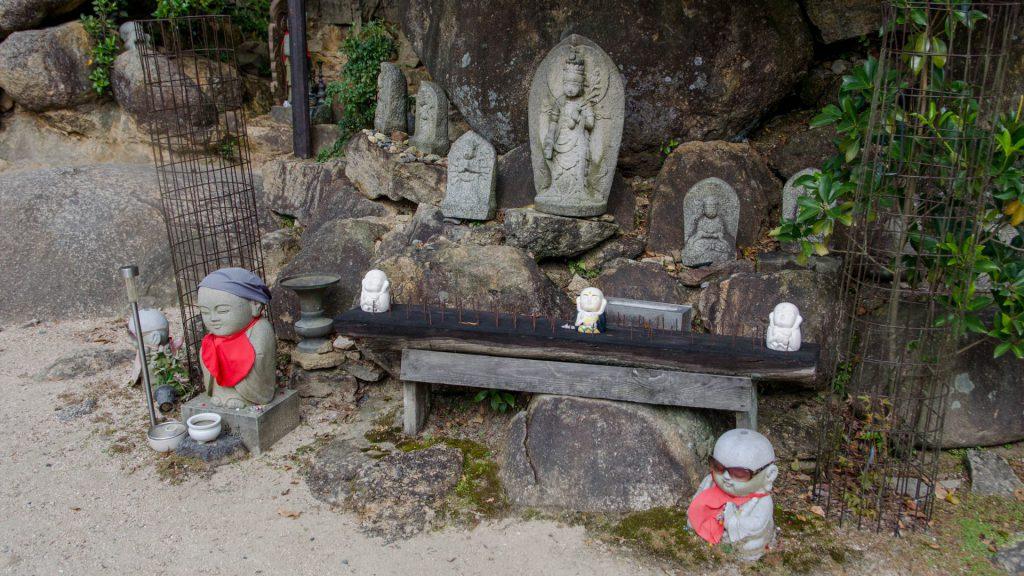 Jizo-Stein-Figuren in Miyajima Japan