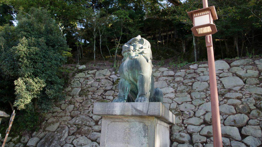 Schützende Loewen in Miyajima Japan