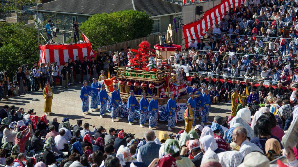 Schauspiel beim Okunchi Festival in Nagasaki Japan