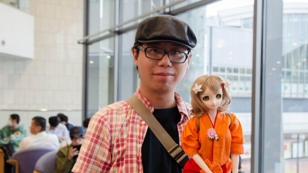 Hana Saku Iroha Fan mit Puppe