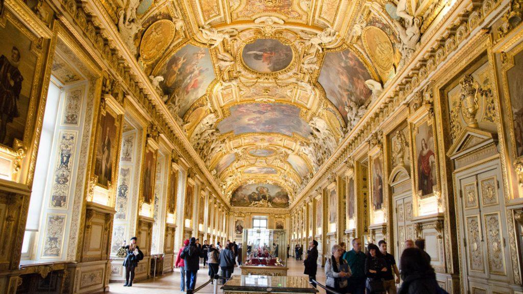 Pompoese Halle im Louvre in Paris